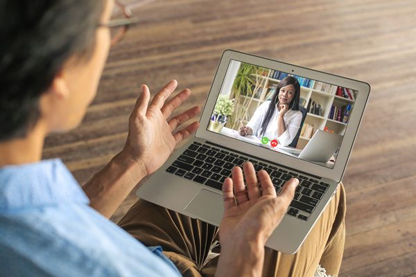 Online therapy meeting