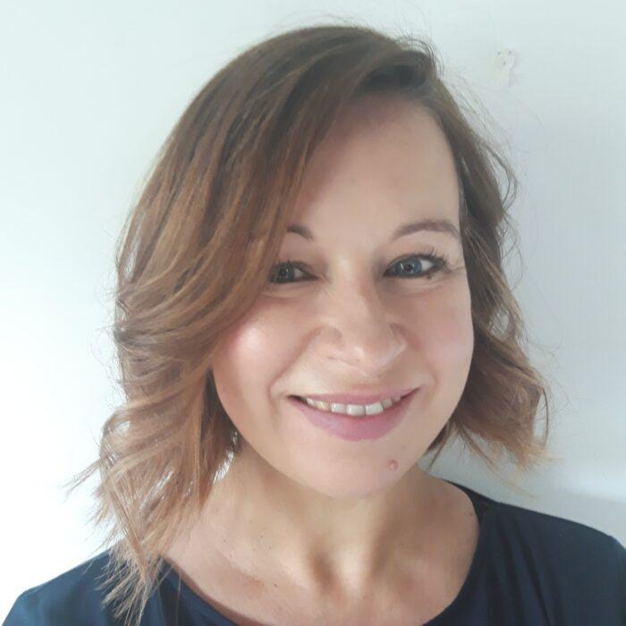 Dr Sara Johnson